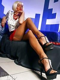 Leggy MILF whore in sheer vintage stockings