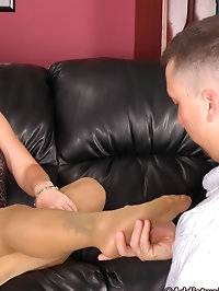 Babe loves getting fucked in pantyhose