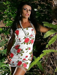 Exotic beauty goes outdoors for photo shoot