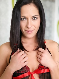 Czech housewife Terra Twain may not have big boobs, but..