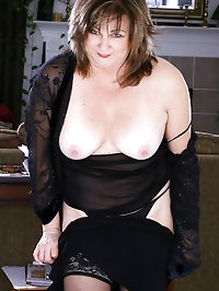 At 53 years old Ruby still has a fantastic body and proves..