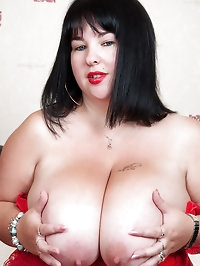 Meow 34JJ toy fucking her boobs and cunt