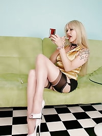 Sexy Lady in Bi Colour Fully Fashioned Stockings
