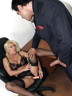 Secretary XXX Pics